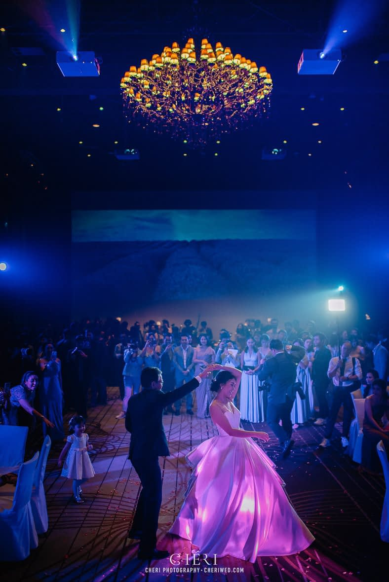 so sofitel bangkok wedding reception cheriwed tua pa 291 - SO Sofitel Bangkok Wedding Reception of Pa and Tua - งานแต่งงานสุดชิคในธีมสีม่วง ทุ่งลาเวนเดอร์ ที่โรงแรม โซ โซฟิเทล เเบงคอก