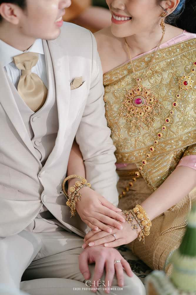 RuenPraKaiPetch thai wedding ceremony cheri weding 188 - รีวิว ภาพถ่ายผลงาน งานแต่งพิธีหมั้นแบบไทย สถานที่จัดงานแต่งงาน ริมทะเลสาบ เรือนประกายเพชร เรือนไทยสไตล์โคโลเนียล คุณสุนิธี และคุณนัฐวุฒิ