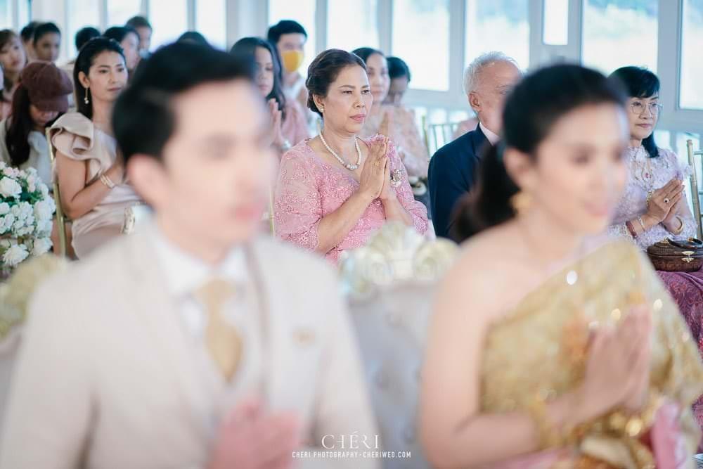 RuenPraKaiPetch thai wedding ceremony cheri weding 62 - รีวิว ภาพถ่ายผลงาน งานแต่งพิธีหมั้นแบบไทย สถานที่จัดงานแต่งงาน ริมทะเลสาบ เรือนประกายเพชร เรือนไทยสไตล์โคโลเนียล คุณสุนิธี และคุณนัฐวุฒิ
