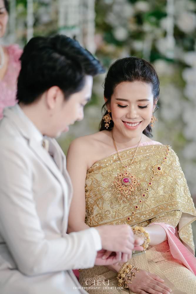 RuenPraKaiPetch thai wedding ceremony cheri weding 179 - รีวิว ภาพถ่ายผลงาน งานแต่งพิธีหมั้นแบบไทย สถานที่จัดงานแต่งงาน ริมทะเลสาบ เรือนประกายเพชร เรือนไทยสไตล์โคโลเนียล คุณสุนิธี และคุณนัฐวุฒิ