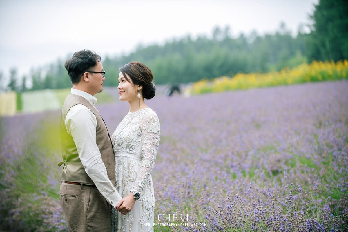 cheriwed pre wedding in hokkaido japan tomita farm lavender field 10 - Pre-Wedding Photo in Hokkaido, Japan with Lavender Field at Tomita Farm - Lowina & Simon from Hong Kong