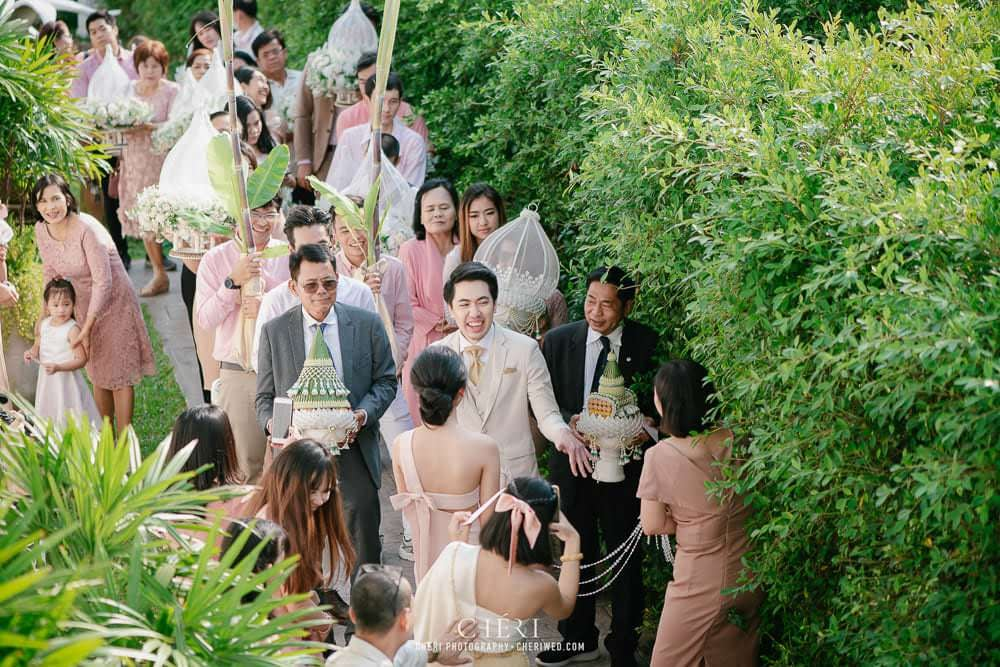 RuenPraKaiPetch thai wedding ceremony cheri weding 127 - รีวิว ภาพถ่ายผลงาน งานแต่งพิธีหมั้นแบบไทย สถานที่จัดงานแต่งงาน ริมทะเลสาบ เรือนประกายเพชร เรือนไทยสไตล์โคโลเนียล คุณสุนิธี และคุณนัฐวุฒิ