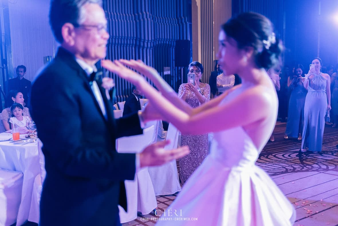 so sofitel bangkok wedding reception cheriwed tua pa 289 - SO Sofitel Bangkok Wedding Reception of Pa and Tua - งานแต่งงานสุดชิคในธีมสีม่วง ทุ่งลาเวนเดอร์ ที่โรงแรม โซ โซฟิเทล เเบงคอก