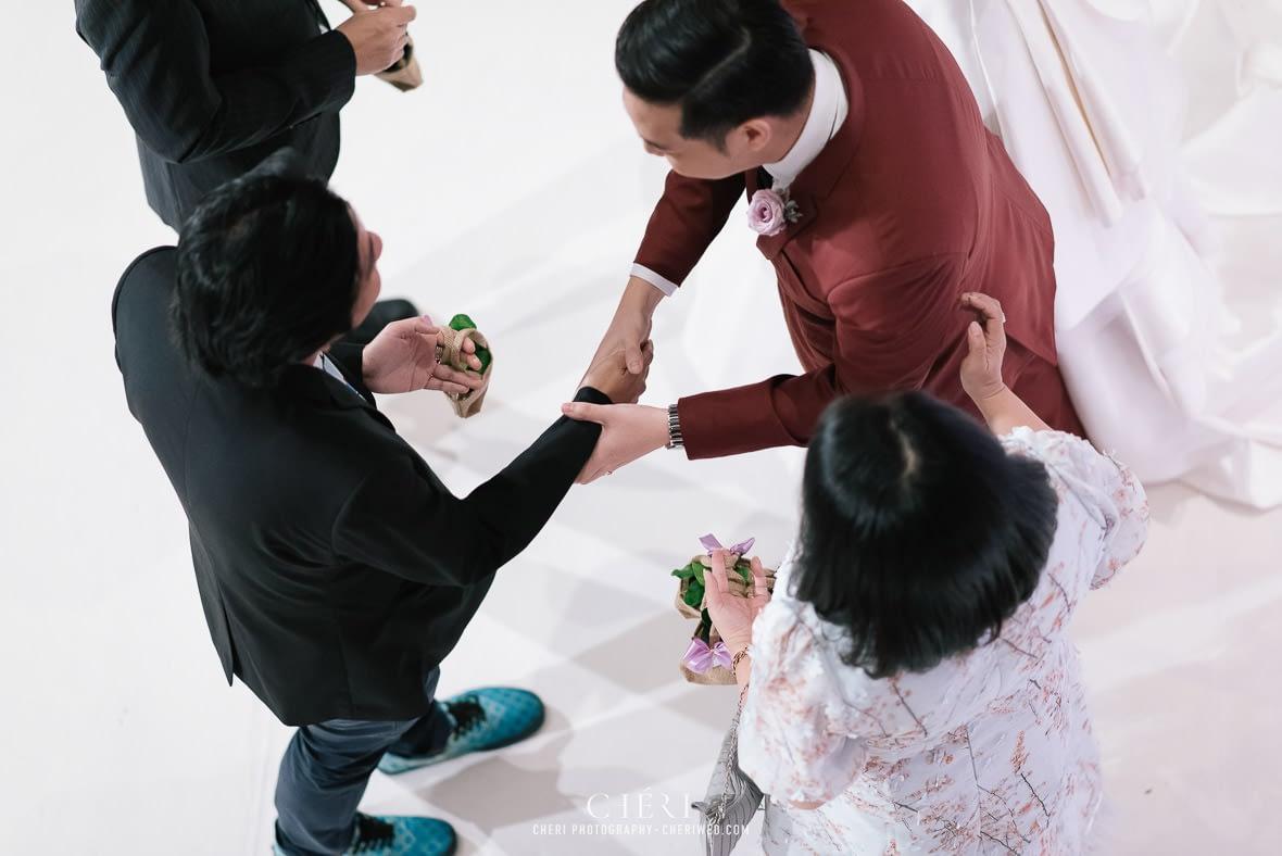 so sofitel bangkok wedding reception cheriwed tua pa 161 - SO Sofitel Bangkok Wedding Reception of Pa and Tua - งานแต่งงานสุดชิคในธีมสีม่วง ทุ่งลาเวนเดอร์ ที่โรงแรม โซ โซฟิเทล เเบงคอก