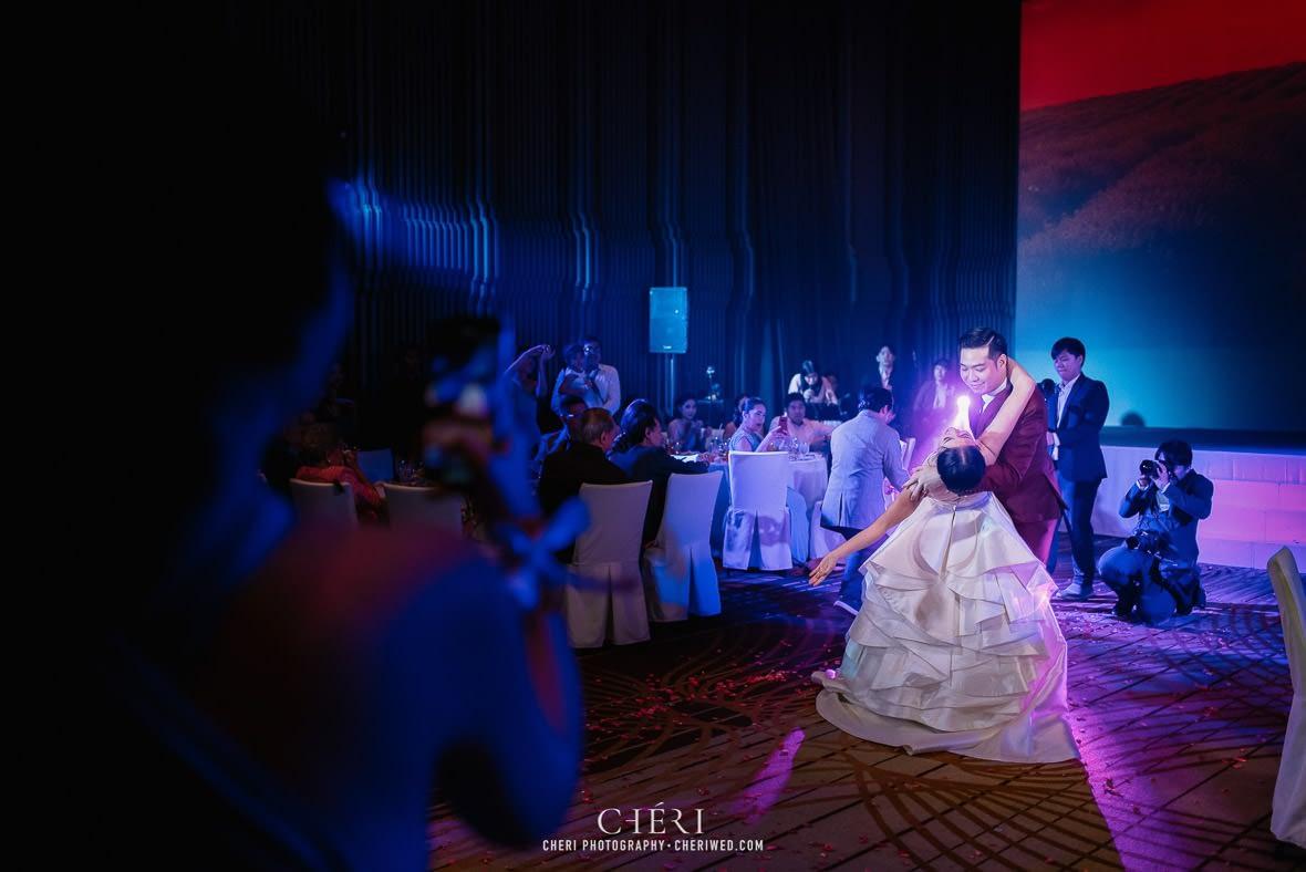 so sofitel bangkok wedding reception cheriwed tua pa 301 - SO Sofitel Bangkok Wedding Reception of Pa and Tua - งานแต่งงานสุดชิคในธีมสีม่วง ทุ่งลาเวนเดอร์ ที่โรงแรม โซ โซฟิเทล เเบงคอก