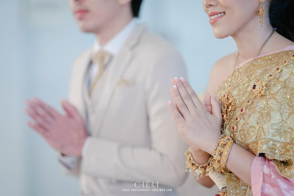 RuenPraKaiPetch thai wedding ceremony cheri weding 57 - รีวิว ภาพถ่ายผลงาน งานแต่งพิธีหมั้นแบบไทย สถานที่จัดงานแต่งงาน ริมทะเลสาบ เรือนประกายเพชร เรือนไทยสไตล์โคโลเนียล คุณสุนิธี และคุณนัฐวุฒิ