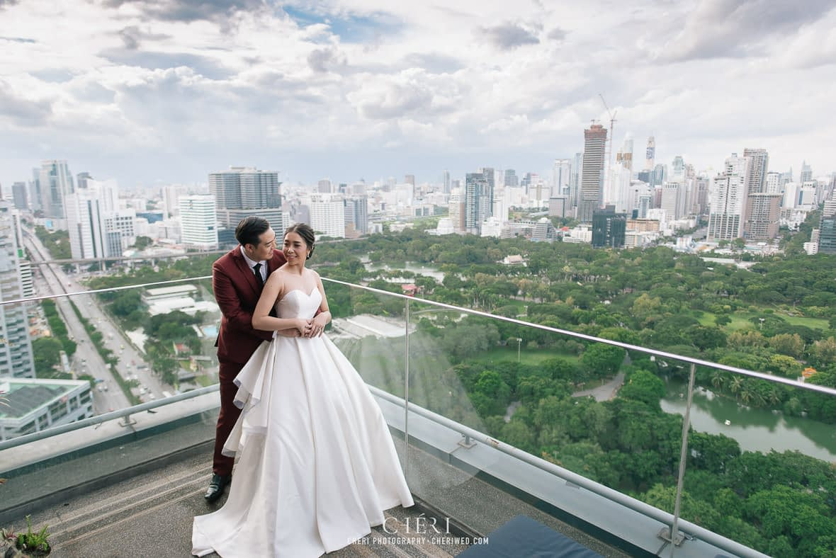 so sofitel bangkok wedding reception cheriwed tua pa 89 - SO Sofitel Bangkok Wedding Reception of Pa and Tua - งานแต่งงานสุดชิคในธีมสีม่วง ทุ่งลาเวนเดอร์ ที่โรงแรม โซ โซฟิเทล เเบงคอก