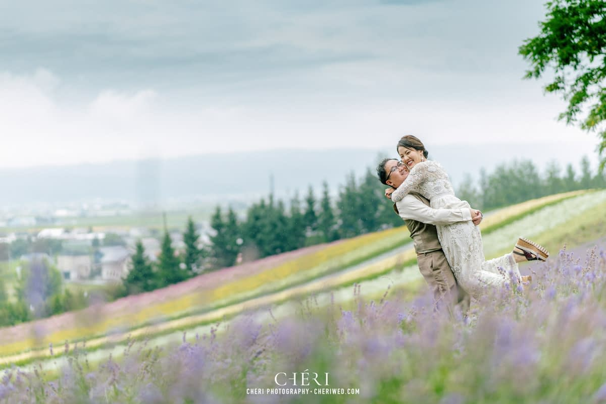 cheriwed pre wedding in hokkaido japan tomita farm lavender field 36 - Pre-Wedding Photo in Hokkaido, Japan with Lavender Field at Tomita Farm - Lowina & Simon from Hong Kong