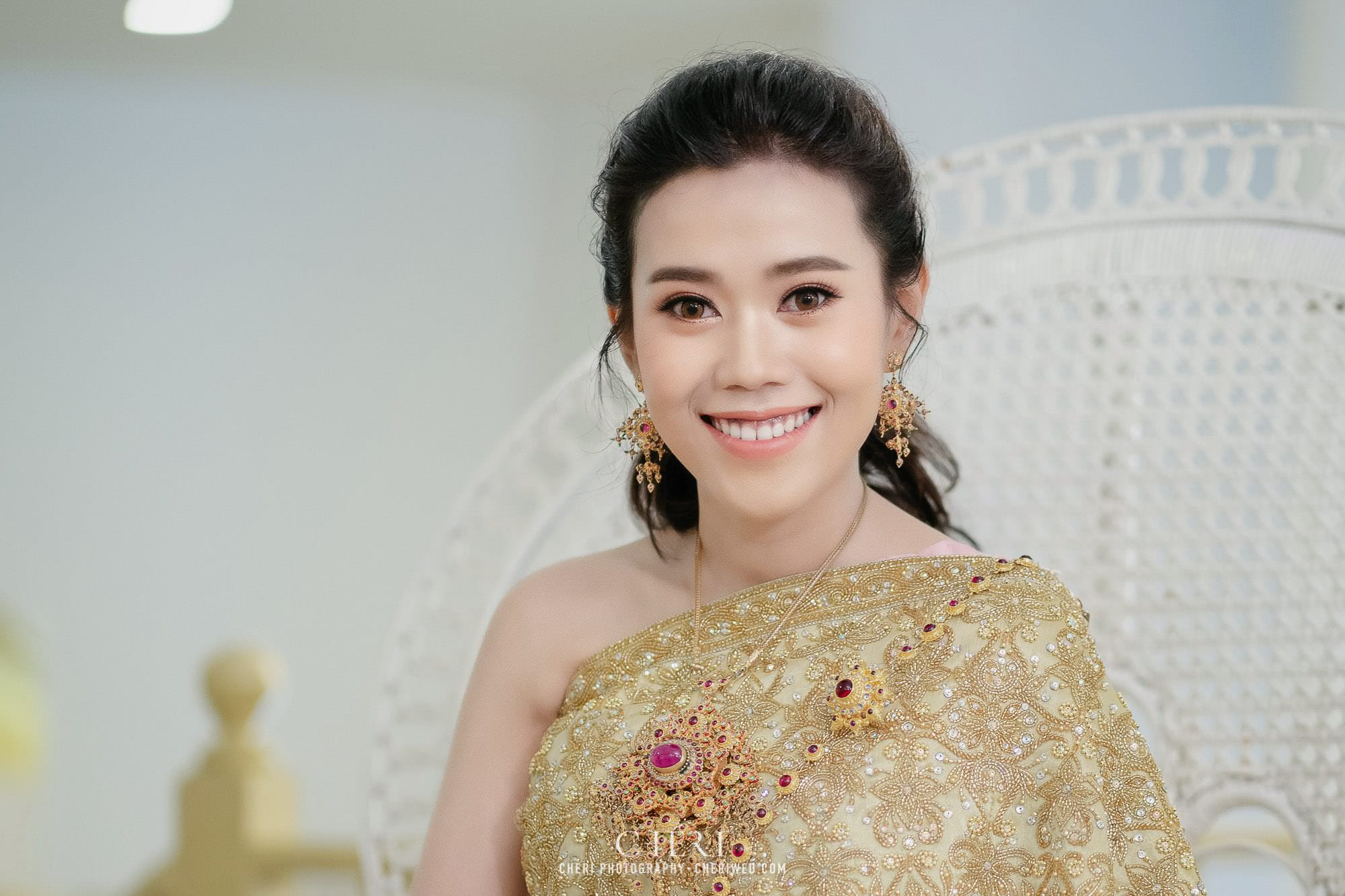 best beautiful bride in thai traditional wedding dress 2020 cover 1