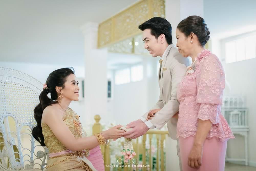 RuenPraKaiPetch thai wedding ceremony cheri weding 144 - รีวิว ภาพถ่ายผลงาน งานแต่งพิธีหมั้นแบบไทย สถานที่จัดงานแต่งงาน ริมทะเลสาบ เรือนประกายเพชร เรือนไทยสไตล์โคโลเนียล คุณสุนิธี และคุณนัฐวุฒิ