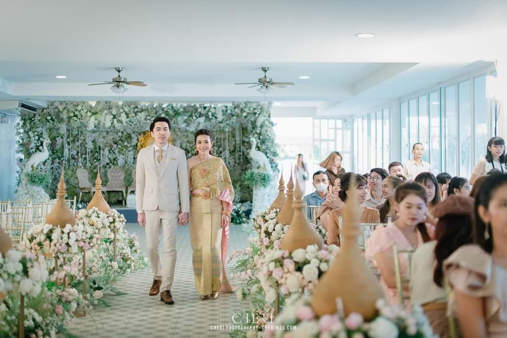 RuenPraKaiPetch thai wedding ceremony cheri weding 40 - รีวิว ภาพถ่ายผลงาน งานแต่งพิธีหมั้นแบบไทย สถานที่จัดงานแต่งงาน ริมทะเลสาบ เรือนประกายเพชร เรือนไทยสไตล์โคโลเนียล คุณสุนิธี และคุณนัฐวุฒิ