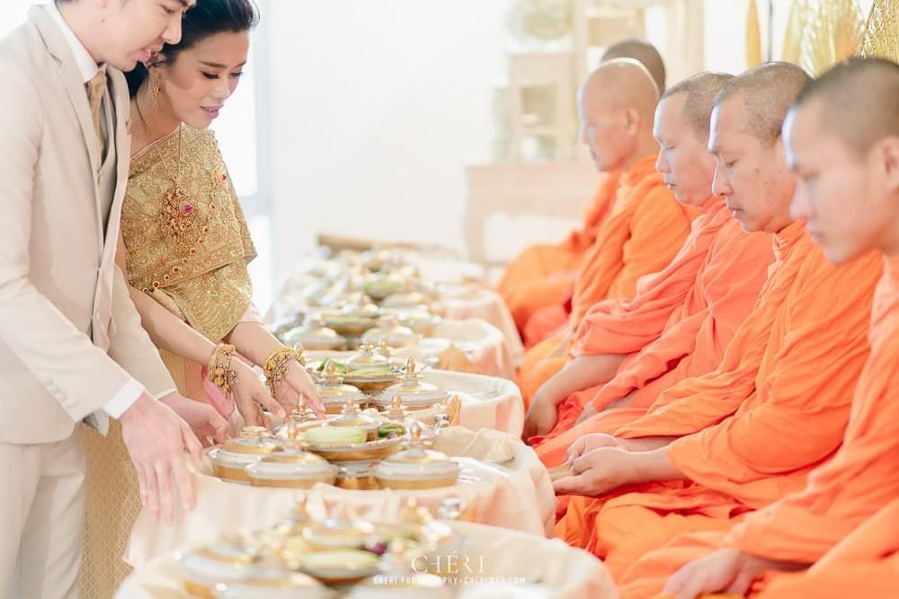 RuenPraKaiPetch thai wedding ceremony cheri weding 77 - รีวิว ภาพถ่ายผลงาน งานแต่งพิธีหมั้นแบบไทย สถานที่จัดงานแต่งงาน ริมทะเลสาบ เรือนประกายเพชร เรือนไทยสไตล์โคโลเนียล คุณสุนิธี และคุณนัฐวุฒิ