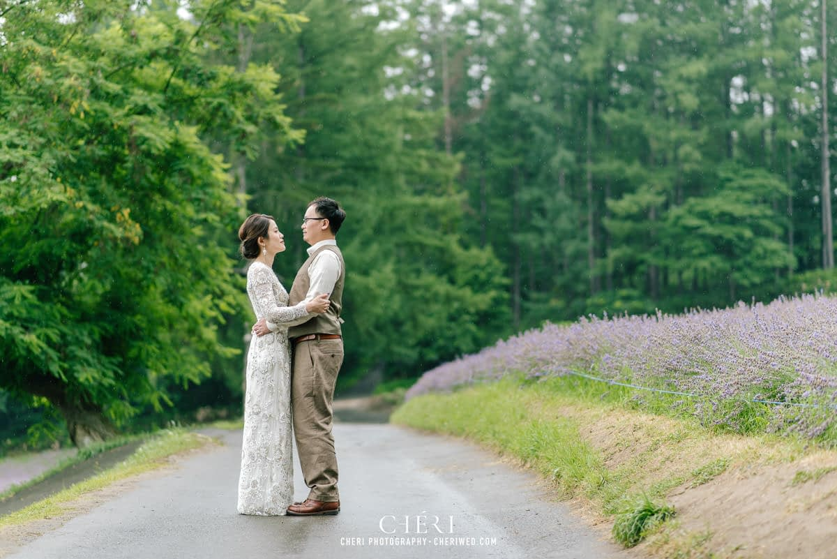 cheriwed pre wedding in hokkaido japan tomita farm lavender field 33 - Pre-Wedding Photo in Hokkaido, Japan with Lavender Field at Tomita Farm - Lowina & Simon from Hong Kong