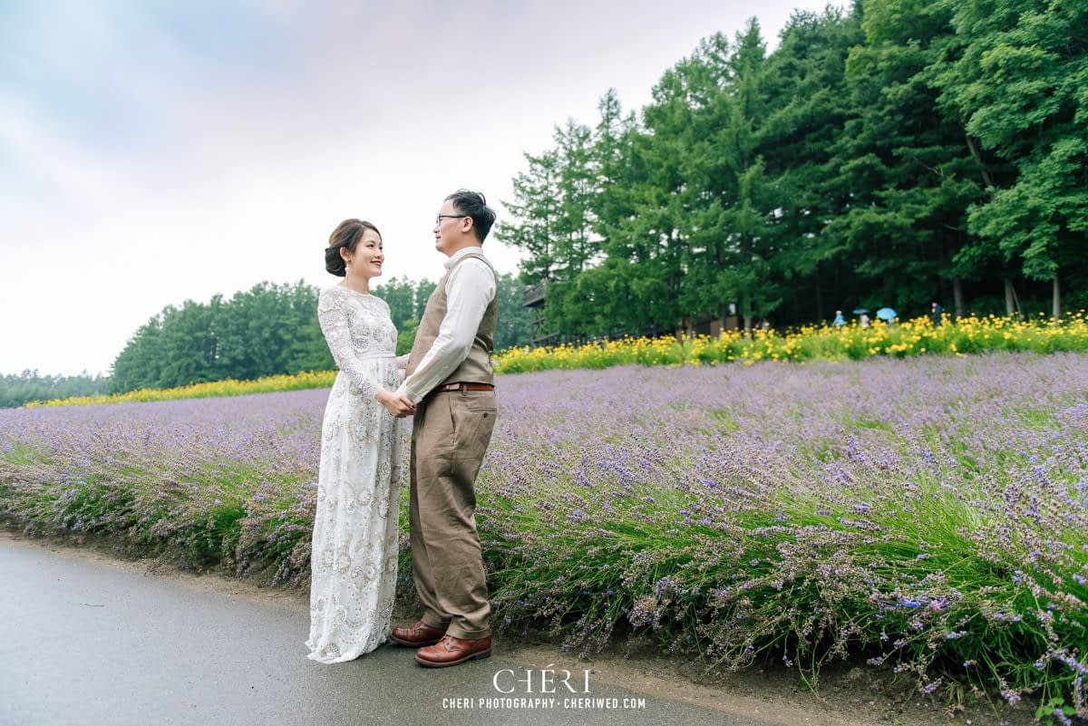 cheriwed pre wedding in hokkaido japan tomita farm lavender field 09 - Pre-Wedding Photo in Hokkaido, Japan with Lavender Field at Tomita Farm - Lowina & Simon from Hong Kong
