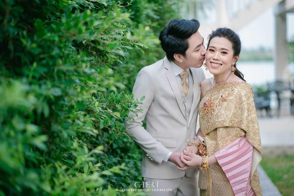 RuenPraKaiPetch thai wedding ceremony cheri weding 12 - รีวิว ภาพถ่ายผลงาน งานแต่งพิธีหมั้นแบบไทย สถานที่จัดงานแต่งงาน ริมทะเลสาบ เรือนประกายเพชร เรือนไทยสไตล์โคโลเนียล คุณสุนิธี และคุณนัฐวุฒิ