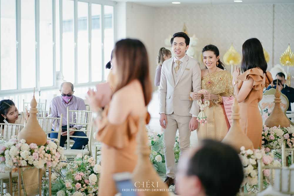 RuenPraKaiPetch thai wedding ceremony cheri weding 155 - รีวิว ภาพถ่ายผลงาน งานแต่งพิธีหมั้นแบบไทย สถานที่จัดงานแต่งงาน ริมทะเลสาบ เรือนประกายเพชร เรือนไทยสไตล์โคโลเนียล คุณสุนิธี และคุณนัฐวุฒิ