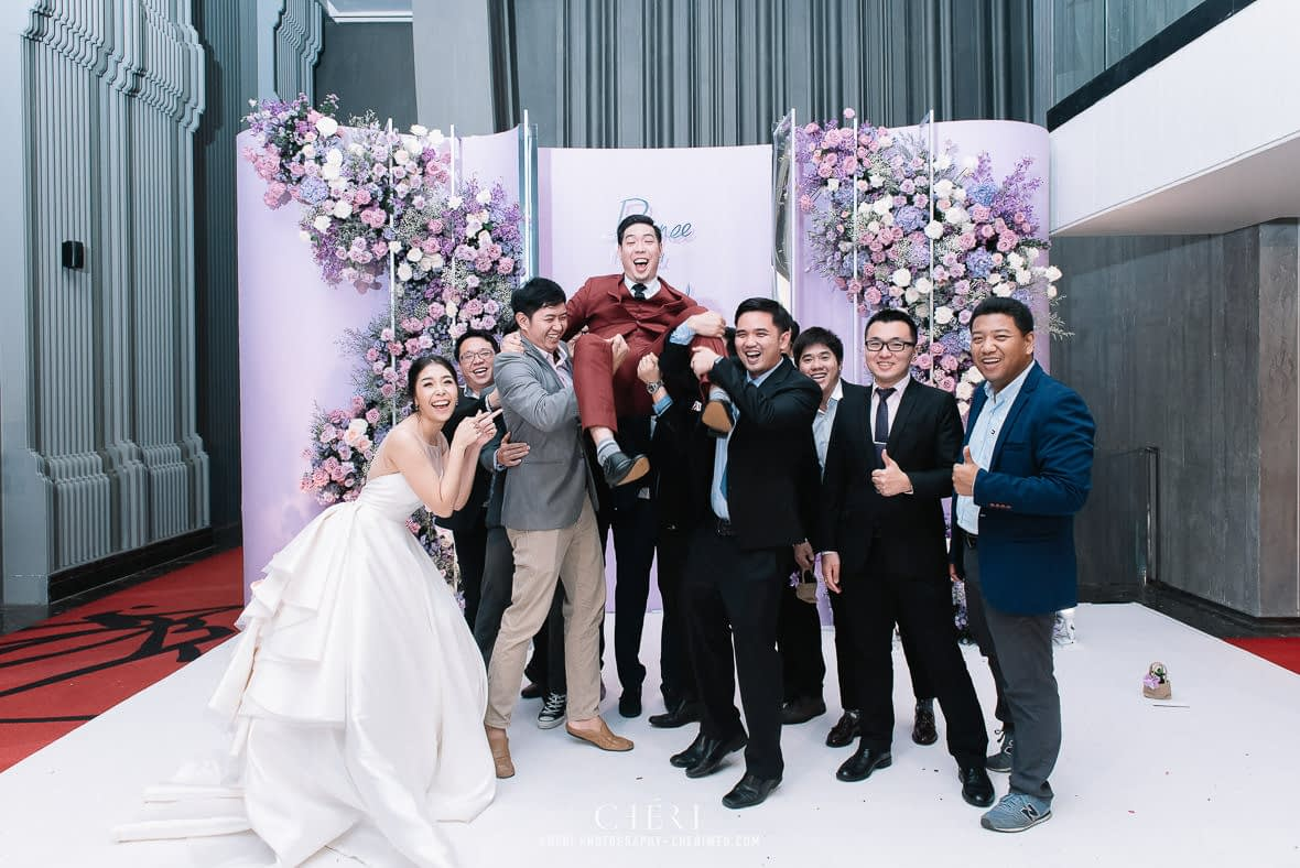 so sofitel bangkok wedding reception cheriwed tua pa 320 - SO Sofitel Bangkok Wedding Reception of Pa and Tua - งานแต่งงานสุดชิคในธีมสีม่วง ทุ่งลาเวนเดอร์ ที่โรงแรม โซ โซฟิเทล เเบงคอก