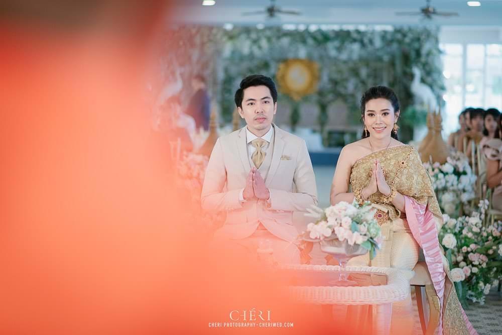 RuenPraKaiPetch thai wedding ceremony cheri weding 58 - รีวิว ภาพถ่ายผลงาน งานแต่งพิธีหมั้นแบบไทย สถานที่จัดงานแต่งงาน ริมทะเลสาบ เรือนประกายเพชร เรือนไทยสไตล์โคโลเนียล คุณสุนิธี และคุณนัฐวุฒิ
