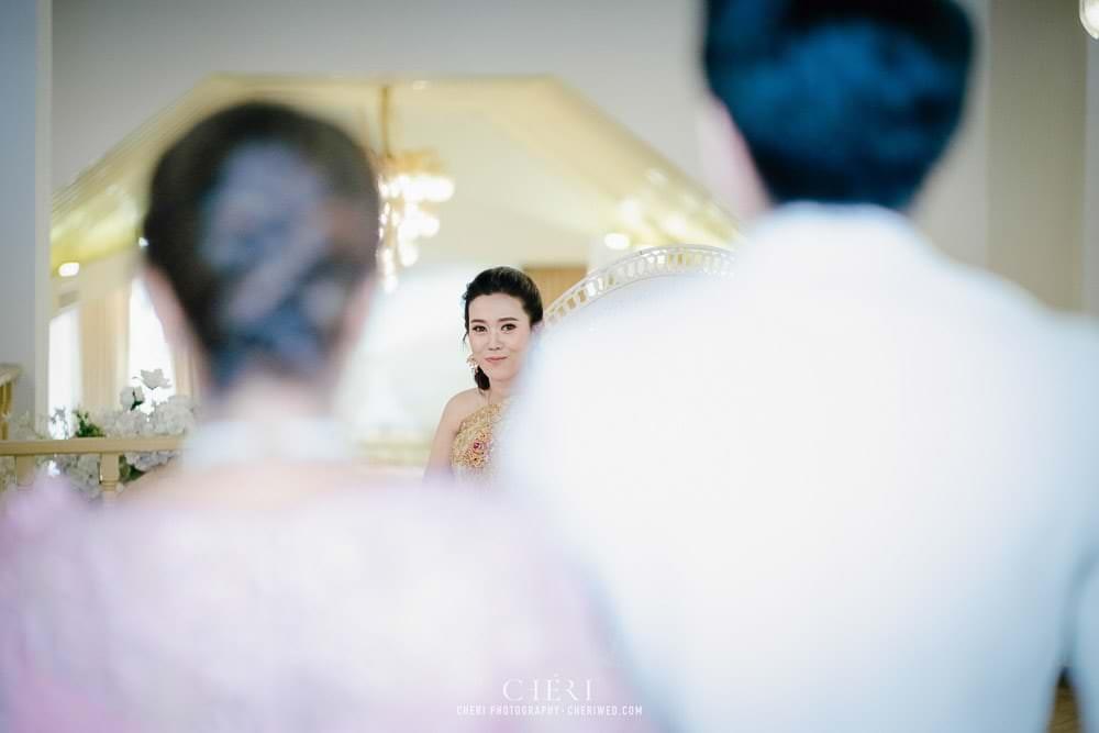 RuenPraKaiPetch thai wedding ceremony cheri weding 142 - รีวิว ภาพถ่ายผลงาน งานแต่งพิธีหมั้นแบบไทย สถานที่จัดงานแต่งงาน ริมทะเลสาบ เรือนประกายเพชร เรือนไทยสไตล์โคโลเนียล คุณสุนิธี และคุณนัฐวุฒิ