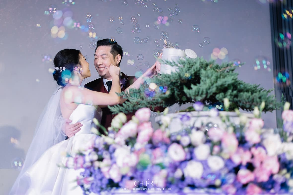 so sofitel bangkok wedding reception cheriwed tua pa 252 - SO Sofitel Bangkok Wedding Reception of Pa and Tua - งานแต่งงานสุดชิคในธีมสีม่วง ทุ่งลาเวนเดอร์ ที่โรงแรม โซ โซฟิเทล เเบงคอก