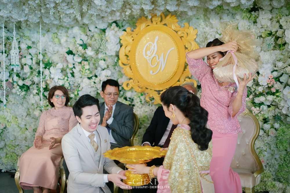 RuenPraKaiPetch thai wedding ceremony cheri weding 175 - รีวิว ภาพถ่ายผลงาน งานแต่งพิธีหมั้นแบบไทย สถานที่จัดงานแต่งงาน ริมทะเลสาบ เรือนประกายเพชร เรือนไทยสไตล์โคโลเนียล คุณสุนิธี และคุณนัฐวุฒิ