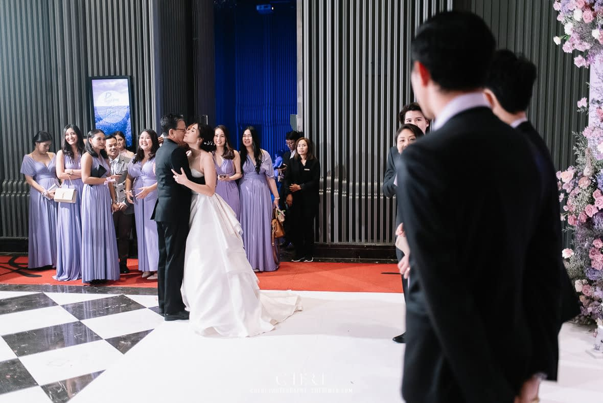 so sofitel bangkok wedding reception cheriwed tua pa 322 - SO Sofitel Bangkok Wedding Reception of Pa and Tua - งานแต่งงานสุดชิคในธีมสีม่วง ทุ่งลาเวนเดอร์ ที่โรงแรม โซ โซฟิเทล เเบงคอก