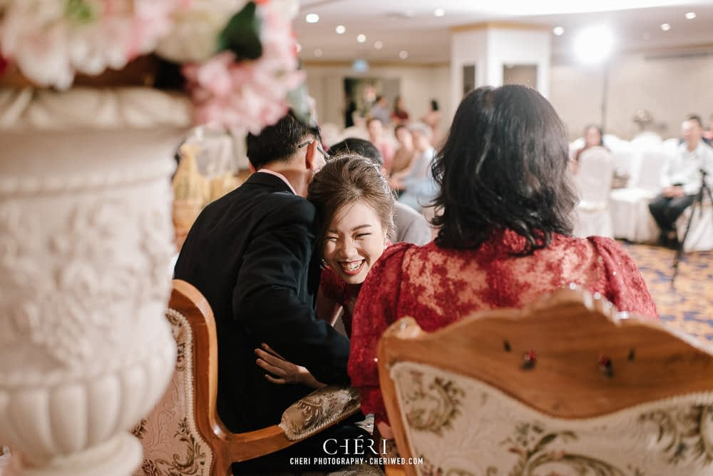 tawana bangkok hotel thai wedding ceremony 42 - Tawana Bangkok Hotel Charming Thai Chinese Wedding Ceremony, Rattaya & Sukij