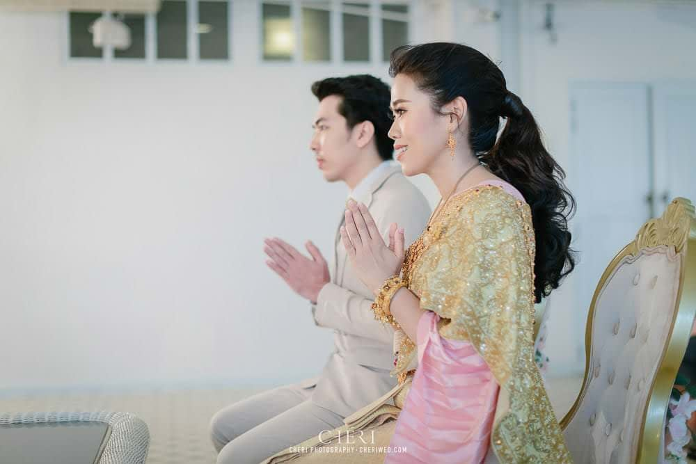 RuenPraKaiPetch thai wedding ceremony cheri weding 47 - รีวิว ภาพถ่ายผลงาน งานแต่งพิธีหมั้นแบบไทย สถานที่จัดงานแต่งงาน ริมทะเลสาบ เรือนประกายเพชร เรือนไทยสไตล์โคโลเนียล คุณสุนิธี และคุณนัฐวุฒิ