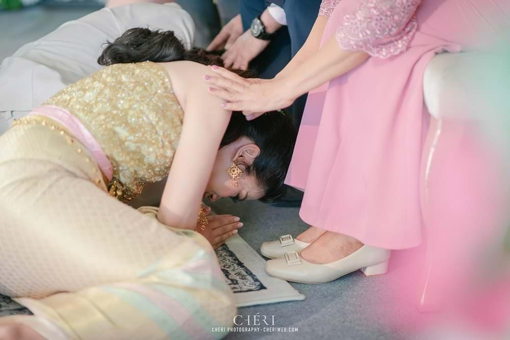 RuenPraKaiPetch thai wedding ceremony cheri weding 164 - รีวิว ภาพถ่ายผลงาน งานแต่งพิธีหมั้นแบบไทย สถานที่จัดงานแต่งงาน ริมทะเลสาบ เรือนประกายเพชร เรือนไทยสไตล์โคโลเนียล คุณสุนิธี และคุณนัฐวุฒิ