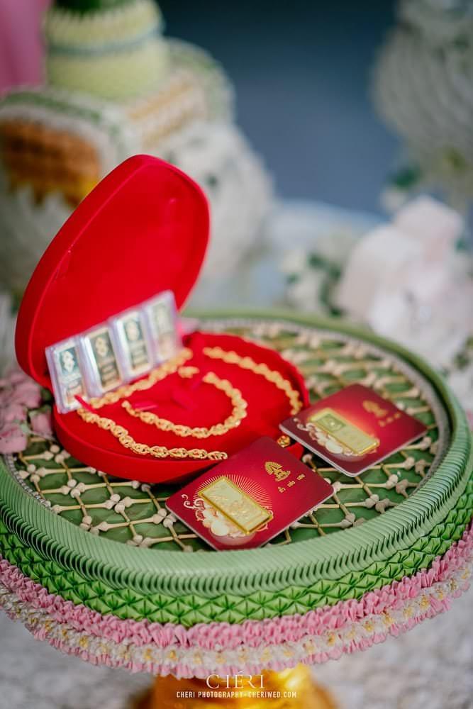 RuenPraKaiPetch thai wedding ceremony cheri weding 131 - รีวิว ภาพถ่ายผลงาน งานแต่งพิธีหมั้นแบบไทย สถานที่จัดงานแต่งงาน ริมทะเลสาบ เรือนประกายเพชร เรือนไทยสไตล์โคโลเนียล คุณสุนิธี และคุณนัฐวุฒิ