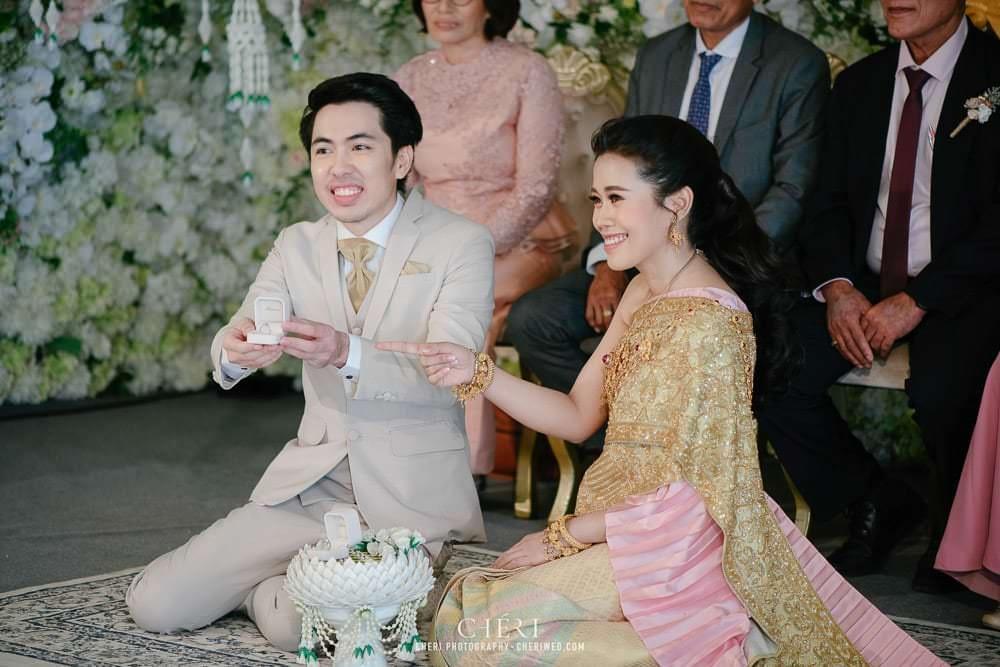 RuenPraKaiPetch thai wedding ceremony cheri weding 177 - รีวิว ภาพถ่ายผลงาน งานแต่งพิธีหมั้นแบบไทย สถานที่จัดงานแต่งงาน ริมทะเลสาบ เรือนประกายเพชร เรือนไทยสไตล์โคโลเนียล คุณสุนิธี และคุณนัฐวุฒิ